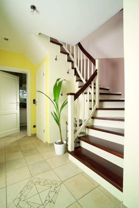 neue treppe. Black Bedroom Furniture Sets. Home Design Ideas
